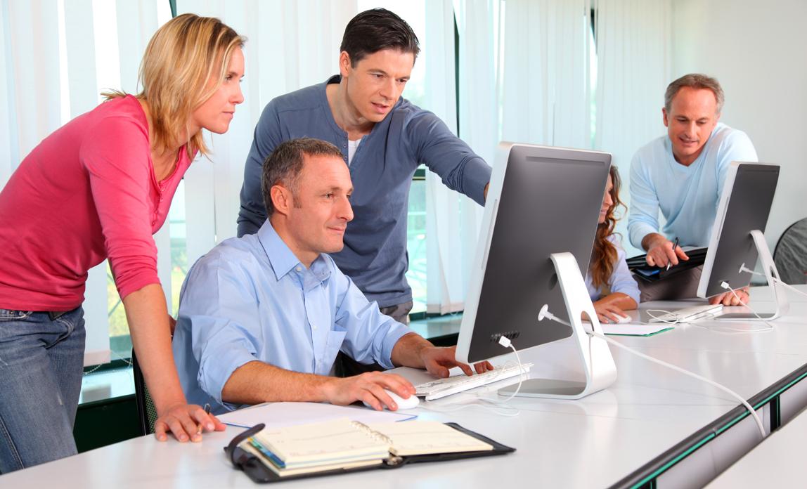 Unlocking Key Aspects in Managing a Simulation Development Project